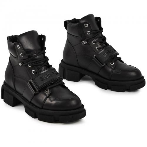 Ботинок 041 черная кожа