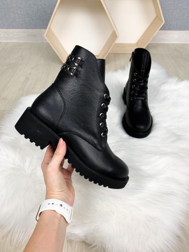 Ботинок 961 черная кожа