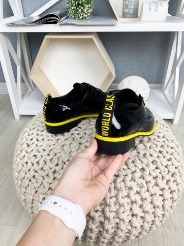 Туфель черный лак
